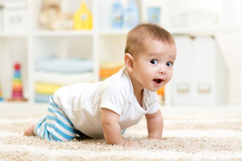 Importancia del gateo para un bebe