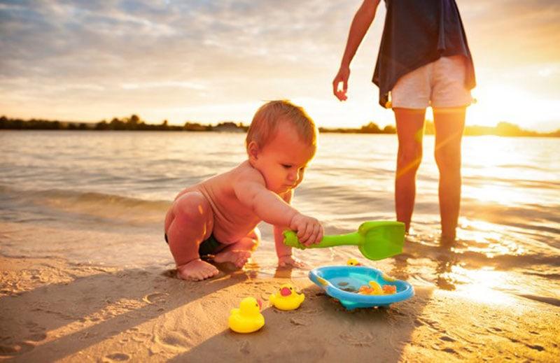 mantener la seguridad de los peques en la playa
